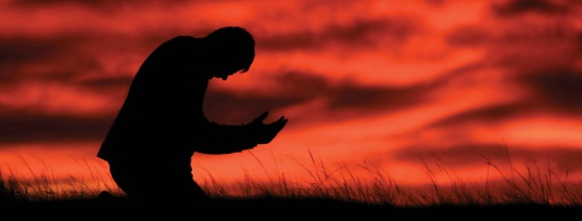 536x204xGuy-praying-1024x391.jpg.pagespeed.ic.5-kJYzE954